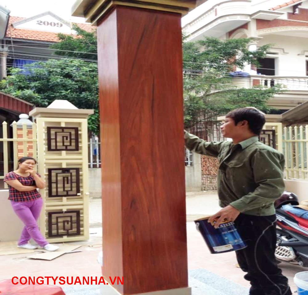 sơn giả gỗ cột nhà đẹp